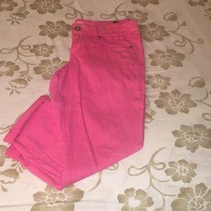 True Freedom pink cuffed Capri jeans